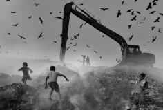 FIAP HM Ribbon-Mohammad Nasir Uddin-Children Playing in Garbage .JPG-Bangladesh
