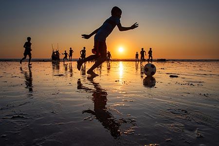 BAmyoutD1_Play_on_Sunset copy